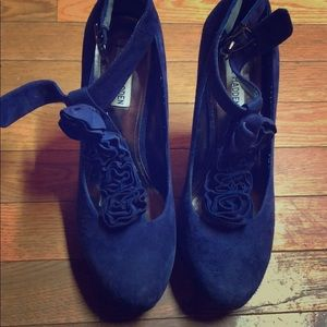 Steve Madden.   Tricked Blue Suede. New   10